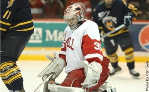 Clean-up duty–Cornell goalie Mike Garman recorded 36 saves in a 2-1 victory over Quinnipiac Friday night at Lynah Rink. (Photo by Darl Zehr)
